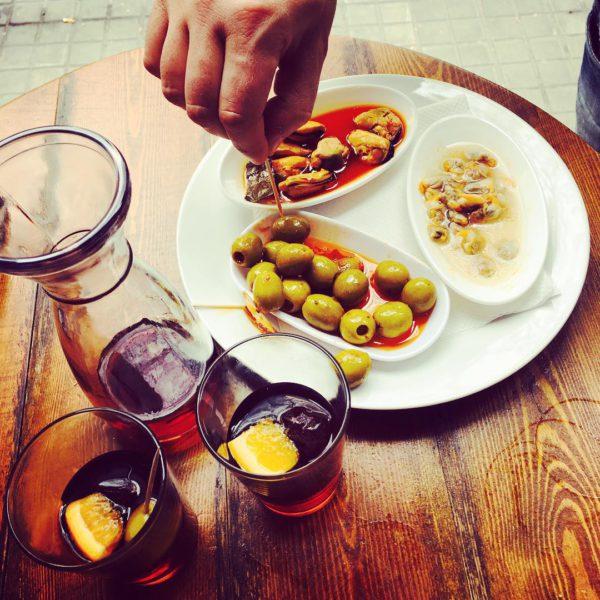 Spanske tapas: Calamares i eget blekk, blåskjell og fylte oliven