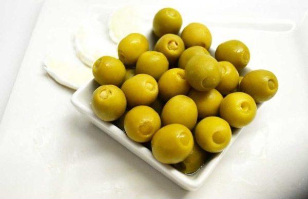Oliven fylt med cabrales-ost, serveringsforslag