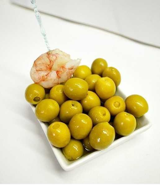 Spanske oliven fylt med reker: Serveringsforslag