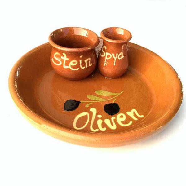 Håndlaget spansk olivenskål av terrakotta, med norsk tekst