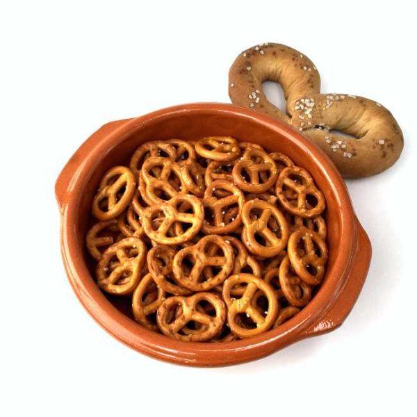 Terrakottaskål (tapasskål, cazuela), 16 cm i diameter, laget i Spania. Serveringsforslag.