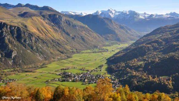 Idylliske Vallee Ossau i Pyreneene i Fransk Baskerland