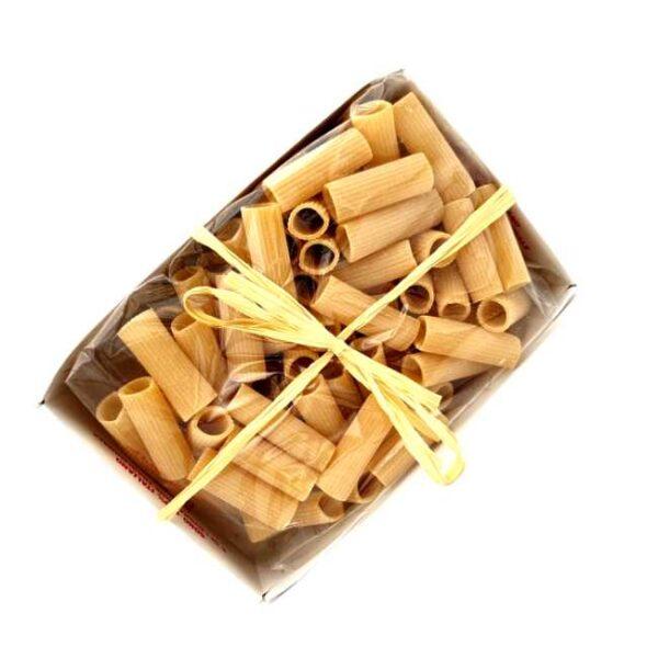500 g rigatoni av durumhvete produsert i Abruzzo, Italia, i koselig eske