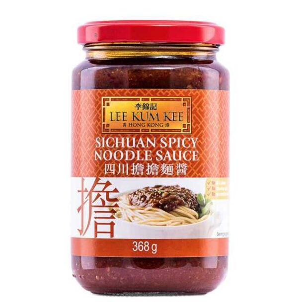 Tradisjonell sterk nuddelsaus fra Szechuan (Sichuan spicet noodle sauce) fra kinesiske Lee Kum Kee, 368 g