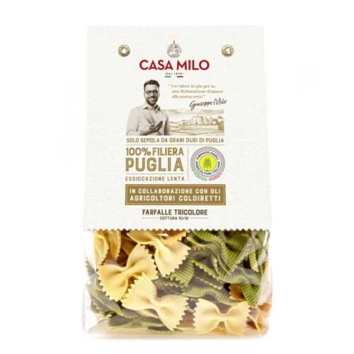500 g trefargede pastasløyfer (farfalle tricolore), av durumhvete fra Puglia (Sør-Italia)